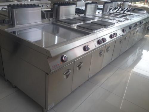 东莞厨房设备选择什么材质才好
