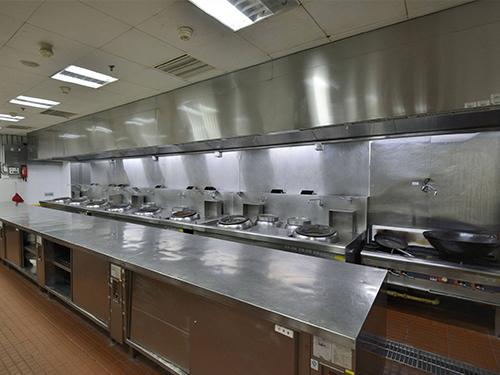 厨房设备厂家在设计厨房排风系统时需注意哪些事项?
