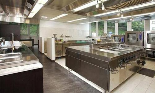 酒店厨房选择一套合适的厨具设备至关重要