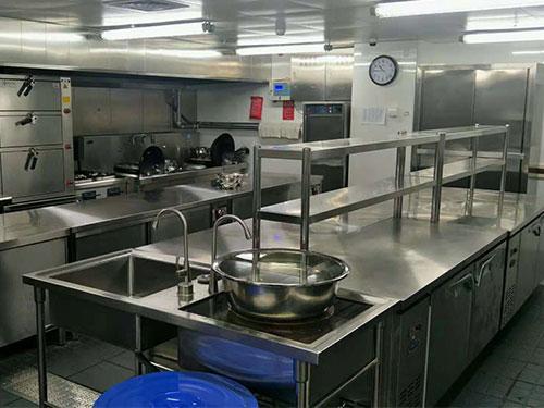 日常应该如何清洗商用厨房设备?